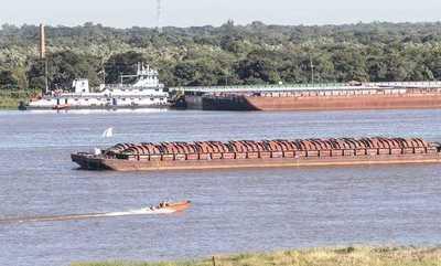 Trabajo conjunto de sector privado, instituciones e hidroeléctricas mejoraríanavegabilidad del Paraná