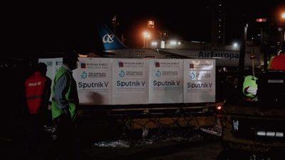 Borba confía que pronto llegarán 40.000 Sputnik V