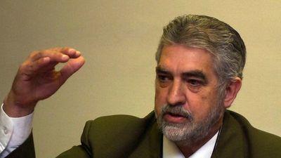 """Senador dice que informe sobre deuda fue un """"show del contralor"""""""