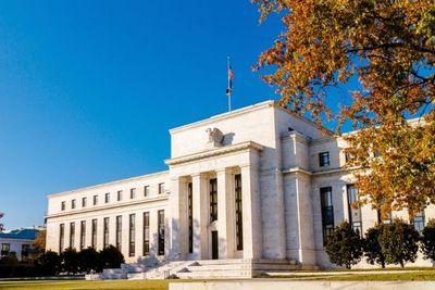 FED mantiene sus tasas de interés y acciones norteamericanas continúan en ascenso