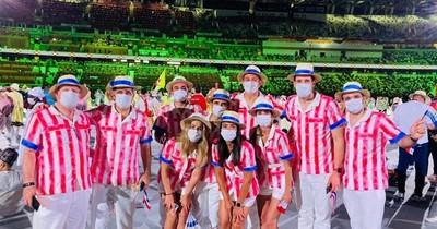 La Nación / Look inspirado en años 30 y 40 de atletas paraguayos es admirado en todo el mundo