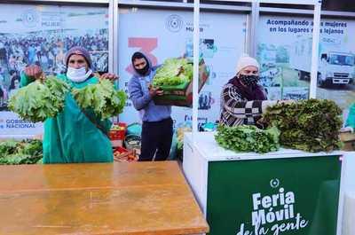 Ferias de frutillas y hortalizas arrancaron hoy en Asunción, San Lorenzo y Limpio