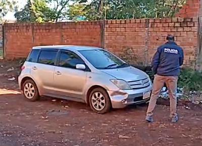 Abandonaron vehículo usado para asaltar a pareja de cambistas