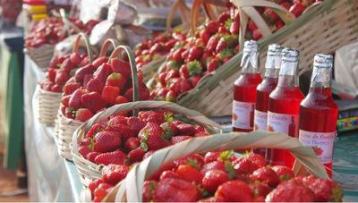 Ferias de frutillas y hortalizas en tres ciudades