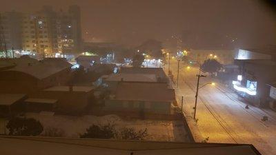 Varias ciudades del sur de Brasil quedan envueltas en nieve en medio de nevadas inéditas y temperaturas gélidas (Video)