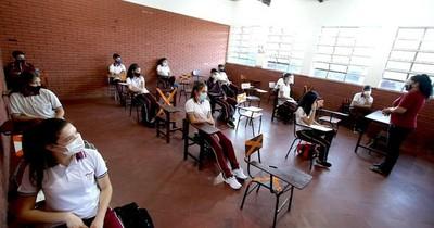 """La Nación / Ministro de Educación: """"Es necesario que los chicos estén dentro de las aulas"""""""