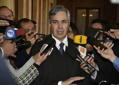 Piden ampliar denuncia en causa que salpica a Pedro Ferreira, expresidente de la ANDE
