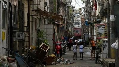 Lanzan una campaña de vacunación masiva en el mayor complejo de favelas de Río de Janeiro