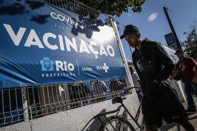 Favelas de Brasil tendrán por primera vez vacunación masiva anticovid