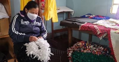 La Nación / Día de la Amistad: ofrecen obsequios en feria de mujeres privadas de libertad