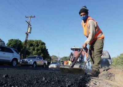 MOPC y municipio acuerdan asfaltar calles del distrito de Nueva Colombia