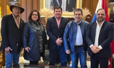 Mario Varela se reúne con Horacio Cartes para sellar unidad colorada en Repatriación