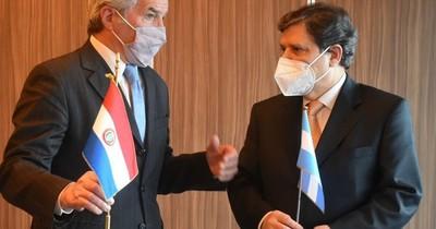 La Nación / Canciller pide a Argentina flexibilizar la frontera terrestre