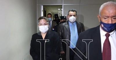 La Nación / Se suspendió audiencia preliminar de expresidenta de Petropar, Patricia Samudio