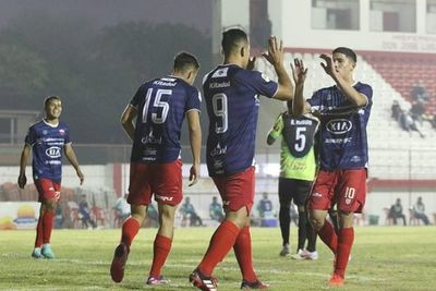 Sin piedad y con un ¡17 a 0!, Fernando de la Mora destroza el sueño del Atlético Trébol