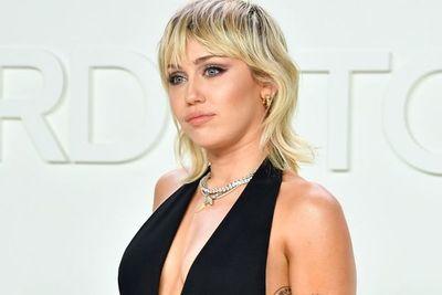 ¡Fabuloso! Miley Cyrus anunció su nuevo proyecto con esta famosa marca