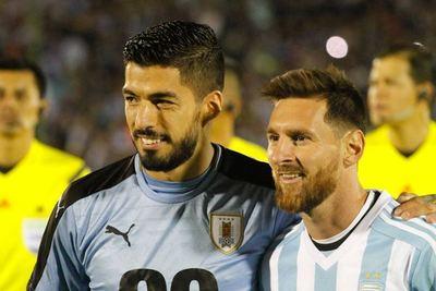 Mirá el reencuentro de Messi con Suárez antes de definir su futuro en el Barça