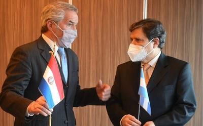 Acevedo pide a su homólogo argentino flexibilización en restricciones de pasos fronterizos terrestres
