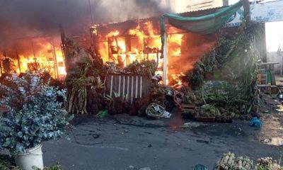 Se incendió el Paseo de los Yuyos del Mercado 4, a causa de un cortocircuito