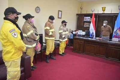 Gobernación de Guairá brinda apoyo a Bomberos Voluntarios