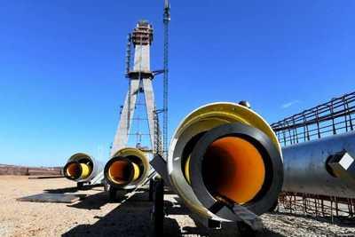 Puente de la Integración: Inician colocación de losetas sobre el tablero metálico