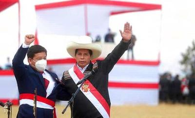 El gabinete de Pedro Castillo en Perú: mucha izquierda, pocas mujeres y ningún ministro de Economía