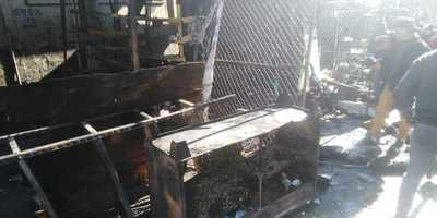 Incendio consumió parte del 'Paseo de los Yuyos' del Mercado 4