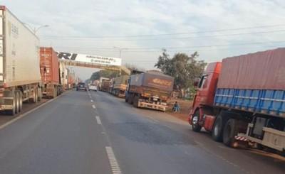 Camioneros en paro vuelven a agredir a colegas que no se adhieren