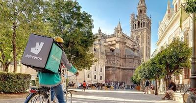 La Nación / Deliveroo se plantea irse de España, donde los repartidores pronto serán asalariados