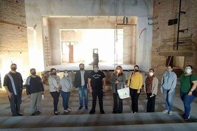 """Profesores de arte de la """"Ciudad Culta"""" mendigan su salario"""