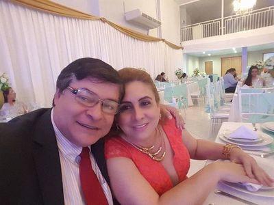 Antes de dejar intendencia, Caballero otorgó licitaciones a empresa ligada a su esposa diputada