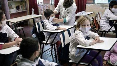 Uruguay retoma la presencialidad plena en educación sin distanciamiento obligatorio