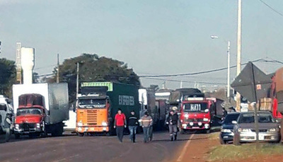 """Camioneros van """"sitiar"""" Asunción si no hay acuerdo"""