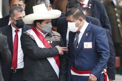 El presidente de Perú completa su gabinete con ministros de Economía y Justicia