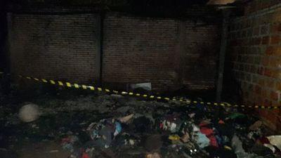 Incendio de precaria vivienda deja un hombre fallecido
