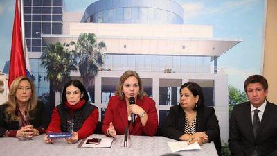 Crítica a ausencias en estudio de ley a favor de las mujeres