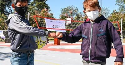 La Nación / Inauguran la 10ª plaza deportiva