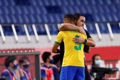 Brasil sigue defendiendo su corona