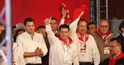 La Nación / Pedido de candidatura de Cartes para presidir la ANR tiene gran aceptación