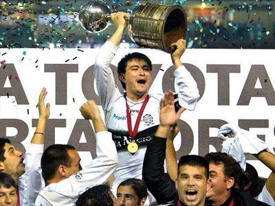 Hace 19 años el Decano conquistaba su tercera Libertadores