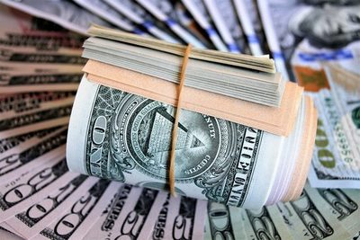 Dólar termina julio presionando al alza y sería la constante hasta fines de 2021