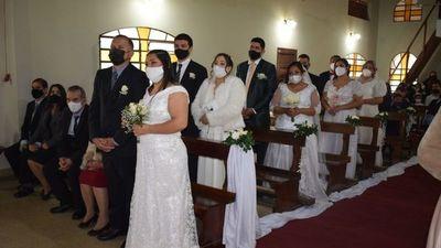 """Diez parejas se dieron el """"sí"""" en casamiento comunitario de Areguá"""