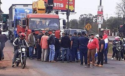 Otra bochornosa actuación del diputado Jorge Brítez en paro de camioneros