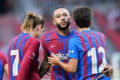 Un joven Barcelona liderado por Memphis Depay golea al Stuttgart