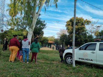 Hija de mujer asesinada por vecino permanece en estado delicado