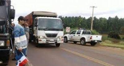 Camioneros en paro piden disculpas por malos ratos a la ciudadanía