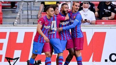 Barcelona liderado por Memphis Depay golea al Stuttgart