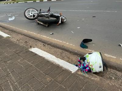 Joven PARAGUAYA muere en accidente con MOTO en FOZ