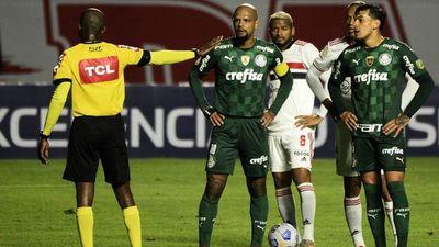 Palmeiras iguala con Gómez en polémica