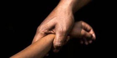Detienen a dos jóvenes por supuesto caso de abuso a menor en Caaguazú